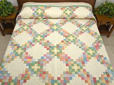 Irish Chain Quilt -- exquisite specially made Amish Quilts from Lancaster (hs5689)                                                                                                                                                      More