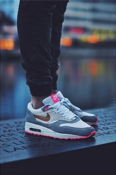 separation shoes ad367 53f9b Nike Air Max 1 - Pink Pack