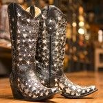 Be the star in these! #countryoutfitter #cowboyboots #boots