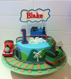 Modern kids birthday cake_Thomas the train cakes images.PNG