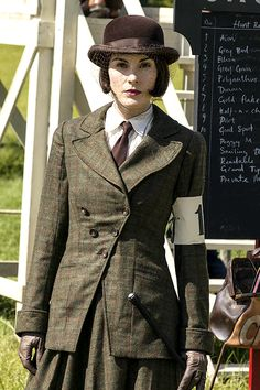 Downton Abbey, season 5 Lady Mary's riding habit