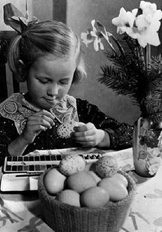 Happy Easter Easter Egg vintage Mondadori Portfolio