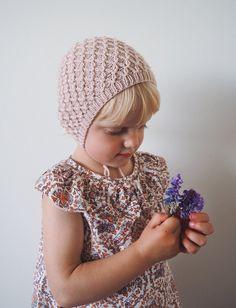 Ravelry: Karen's Bonnet pattern by PetiteKnit Knitting For Kids, Baby Knitting Patterns, Knooking, Bonnet Pattern, Pierrot, I Cord, Handmade Baby, Headbands, Kids Fashion