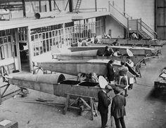Workers at the de Havilland Aircraft Company