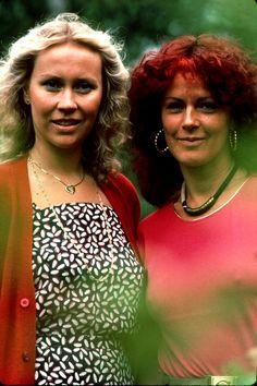 Agnetha Fältskog and Frida in the summer of 1981.