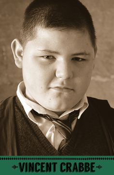 Vincent Crabbe (Harry Potter Film Series) played by Jamie Waylett Harry James Potter, Harry Potter Stories, Harry Potter Cast, Harry Potter Characters, Harry Potter Fandom, Harry Potter Universal, Harry Potter World, Ron Weasley, Hermione Granger