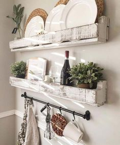 Farmhouse style is the popular kitchen decorating trend of this days because of its shabby chic accents mixed with simple and natural features. If you are looking forward to have a kitchen with…MoreMore