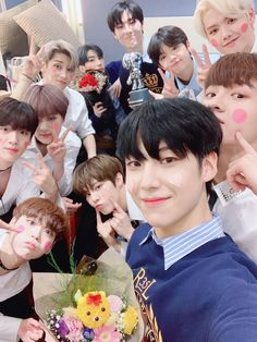 Our social Life Yohan Kim, Miss You Guys, Have A Happy Day, Quantum Leap, Fandom, Thing 1, Korean Boy Bands, Twitter Update, Tv Videos
