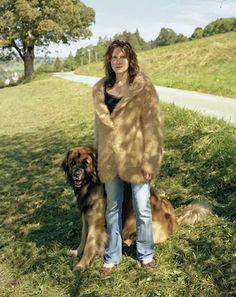 Из шерсти собаки кавказская овчарка