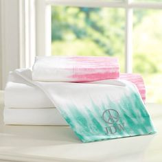 Shop girls sheets and sheet sets at Pottery Barn Teen. Find printed and bright color sheets to complement your bedding and style. Twin Xl Bedding Sets, Twin Xl Sheets, Nursery Bedding Sets Girl, Cheap Bedding Sets, Cheap Bed Sheets, Affordable Bedding, Tie Dye Bedding, Dorm Bedding, College Bedding