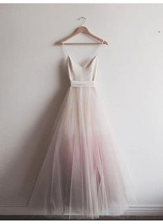 Buy Chic Ombre Spaghetti Straps A-line Floor-length Long V Neck Tulle Prom Dresses UK in uk.Shop our beautiful collection of unique and convertible long Prom dresses from ,offers long bridesmaid dresses for women online. Ombre Prom Dresses, V Neck Prom Dresses, Tulle Prom Dress, Long Bridesmaid Dresses, Ombre Wedding Dress, Homecoming Dresses, Trendy Dresses, Elegant Dresses, Sexy Dresses