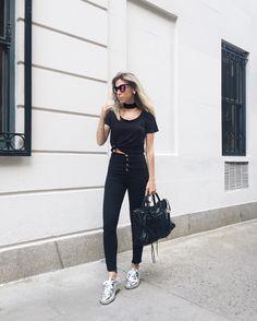 Fashion Designer And Founder of @bynv brand 👻 nativozza 💻 http://www.glam4you.com 📩 glam@glam4you.com