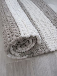 Cheap Non Slip Carpet Runners Crochet Mat, Crochet Rug Patterns, Crochet Carpet, Crochet Home, Crochet Granny, Beige Carpet, Diy Carpet, Rugs On Carpet, Cheap Carpet
