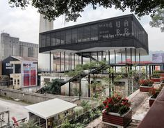 """Shenzhen is in the process of rebranding itself as a global """"cultural city"""", a spirit reflected there by the current 5th Bi-City Biennale of Urbanism/Architecture (UABB), directed by Ole Bouman. In contrast, the other half of the Biennale in Hong Kong – its """"Bi-City"""" twin across the border – suffered from a lack of political support from the city, and focused on more local issues, including the planned border abolishment with China in 2047. Merve Bedir visited both for uncube."""