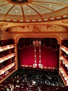 Opera House and major performing arts centre, Covent Garden