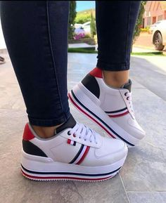 Shoes With Leggings Outfits Sneakers Fashion, Fashion Shoes, Shoes Sneakers, Wedge Ankle Boots, Shoe Boots, Basket Style, Hype Shoes, Luxury Shoes, Beautiful Shoes
