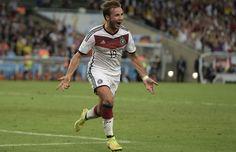 """1:0 Mario Goetze via """"Die Welt"""" on Twitter"""