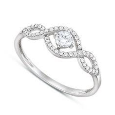 Ezüst ékszerek: fülbevaló, gyűrű, medál, nyakék, karkötő a vezető ékszerfogalmazótól.