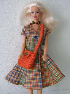 Geruite jurk voor Barbie