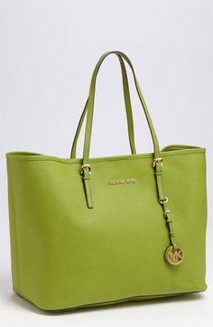 2016 Latest MK handbags!! More than 60% Off!!! Pretty cool. 55