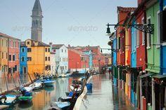 Italy, Venice: Burano Island (boats, bright, building, Burano, canal, colour, colourfull, colours, europe, green, house, houses, island, italy, journey, lagoon, pastel, pink, rain, rainfall, romantic, tourism, tourist, town, Venezia, venice, water, yellow)