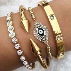 evil eye jewelry style- Evil eye jewelry bracelets http://www.justtrendygirls.com/evil-eye-jewelry-bracelets/
