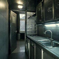 A Moscou un appartment métallique par l'architecte Peter Kostelov.