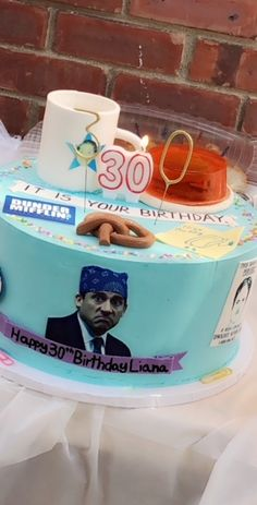 Discover our quick and easy recipe for Yoghurt Cake with Cook Expert on Current Cooking! Office Themed Party, Office Parties, Grad Parties, 30th Birthday, Birthday Party Themes, Office Birthday Decorations, Birthday Desserts, Birthday Cakes, Birthday Gifts