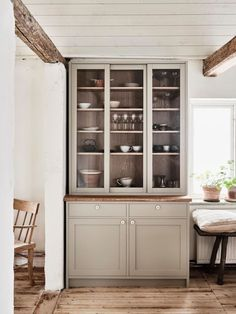 my scandinavian home: A Charming Shaker-style Swedish Country Kitchen