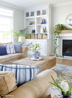 Blue and White Spring Living Room Tour - Sand and Sisal This Blue and White Spring Living Room Tour will show you how to incorporate this classic color scheme and decor elements in a fresh, relaxed and updated way for spring. Home Living Room, Living Room Designs, Living Room Furniture, Modern Furniture, Furniture Storage, Shelving In Living Room, Fresh Living Room, Leather Furniture, Rustic Furniture