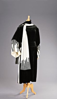Piano Dress    Lucile, 1919  I would love to have a dress like this!!!