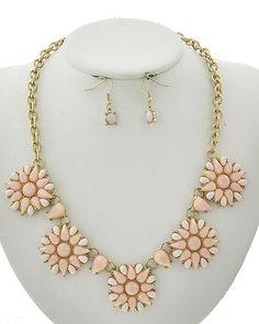 Matte Gold Tone / Peach Acrylic / Lead&nickel Compliant / Fish Hook (earrings) / Flower / Necklace & Earring Set