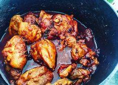 """Dit recept voor licht pikante kip met tomaat komt uit het boek """"zoals alleen oma dat kan"""" van Danny Jansen. Een heerlijk, eenvoudig recept voor bij de rijst"""