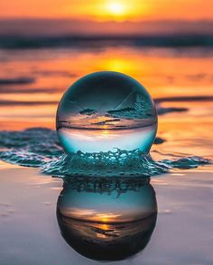 amazing photography This crystal ball will take your photography experience to the next level Creative Photography, Amazing Photography, Landscape Photography, Art Photography, Photography Backdrops, Pinterest Photography, Wedding Photography, Photography Courses, Beautiful Nature Photography