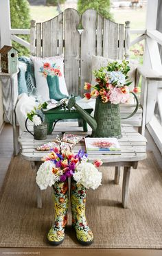 Spring on the porch with blooming wellies and watering can   ©homeiswheretheboatis.net #flowers #wellies #spring Welcome Flowers, White Chrysanthemum, Flower Farmer, Spring Blooms, Outdoor Furniture Sets, Outdoor Decor, Loose Leaf Tea, Spring Green, Ramen Noodle