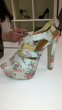 Jessica Simpson Collection - Floral Strappy Sandals