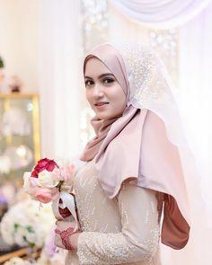 Aditi Bhatia, Muslim Women Fashion, Muslim Beauty, Ootd Hijab, Beautiful Hijab, Hijab Fashion, Cute Girls, Hijabs, Bridal