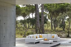 Manutti // Outdoor sofa concept. The classic design of the upholstery sofa concept matches any exterior space. Refinement and meticulous finishing, reflected in the subtle tone-on-tone stitching, is where this collection really shines – Zendo Collection #outdoorfurniture #outdoorluxury Outdoor Sofa Sets, Outdoor Living, Outdoor Furniture Sets, Outdoor Decor, Contemporary Garden Furniture, White Lotus, Sofa Upholstery, Modular Sofa, New Furniture