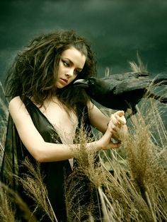 Image about fantasy in Witch/Pagan by Sanja Damjanovic Dark Fantasy, Foto Fantasy, Fantasy Art, Foto Portrait, Crows Ravens, Beltane, Dark Beauty, Wiccan, Witchcraft