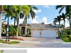 2533 Montclaire Cir, Weston, FL Luxury Real Estate Property - MLS# F1356969 - Coldwell Banker Previews International