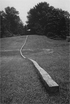 Carl Andre, Secant, 1977
