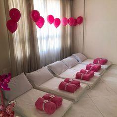 COMBO 3 - Aluguel de 10 kits colchonetes Girls Sleepover Party, Sleepover Room, Kids Spa Party, Pj Party, Tenda Grande, 11th Birthday, Birthday Parties, Baby Spa, Hens Night