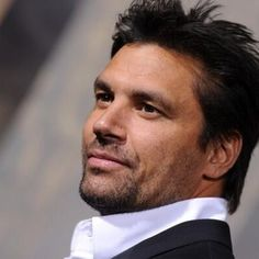 Manu Bennett - Striking Rich Lively