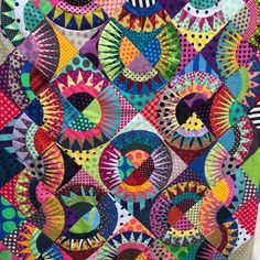 Having made this quilt by Chris Jurd last year, I was up for another challenge. She makes the most amazing paper pieced quilt patterns a. Circle Quilt Patterns, Paper Pieced Quilt Patterns, Circle Quilts, Star Quilt Blocks, Paper Piecing, Block Patterns, Quilting Blogs, Quilting Projects, Quilting Designs