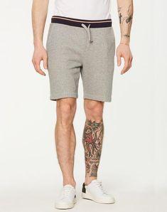 York Sweat Shorts Grey Melange aus Biobaumwolle #veganemode #veganfashion #fairfashion Jogging, York, Patterned Shorts, Jeans, Shopping, Fashion, Vegan Fashion, Trousers, Cotton