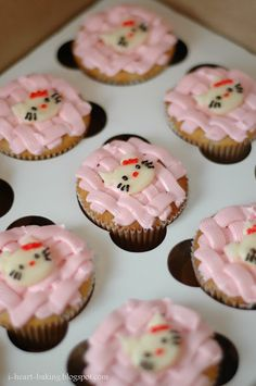 i heart baking!: more hello kitty cupcakes