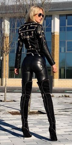 Knee High Heels, Sexy High Heels, High Boots, Leather Pants, Black Leather, Leather Dresses, Image Blog, Leder Outfits, Body Picture