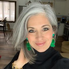 Grey Hair - beautiful gray hair - Beauty Tips and Tricks Grey Hair Don't Care, Long Gray Hair, Grey Wig, Silver Grey Hair, Curly Gray Hair, Grey Hair Over 50, Grey Hair Korean, Curly Hair Styles, Natural Hair Styles