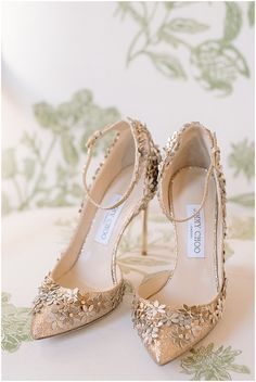 6 Beautiful Wedding Dress Trends in 2020 Diy Wedding Shoes, Wedding Dress Trends, Lace Hairpiece, Gold Wedding Crowns, Types Of Gowns, Traditional Gowns, Bridal Sandals, Fancy Shoes, Bridal Fashion Week