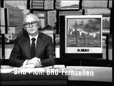 Original-Aufnahme der DDR-Fernsehsendung 'Der schwarze Kanal', mit Karl-Eduard von Schnitzler. Thema: der 8. Mai. Ausstrahlung 4.2.1985. Fehlende Farben weil...